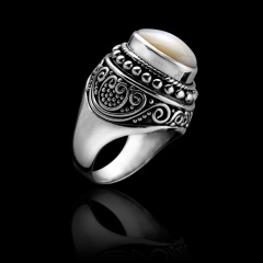 圣洁光辉珍珠贝壳银戒指 货号105977