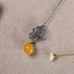 琳福珠宝  莺歌蝶舞S925银镶嵌天然琥珀蜜蜡老蜜色圆珠吊坠