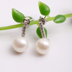 DODOBEL WOMAN 925银镶嵌珍珠耳钉