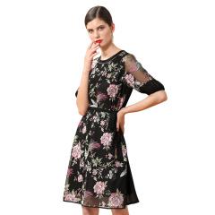 DS玲珑纱刺绣连衣裙